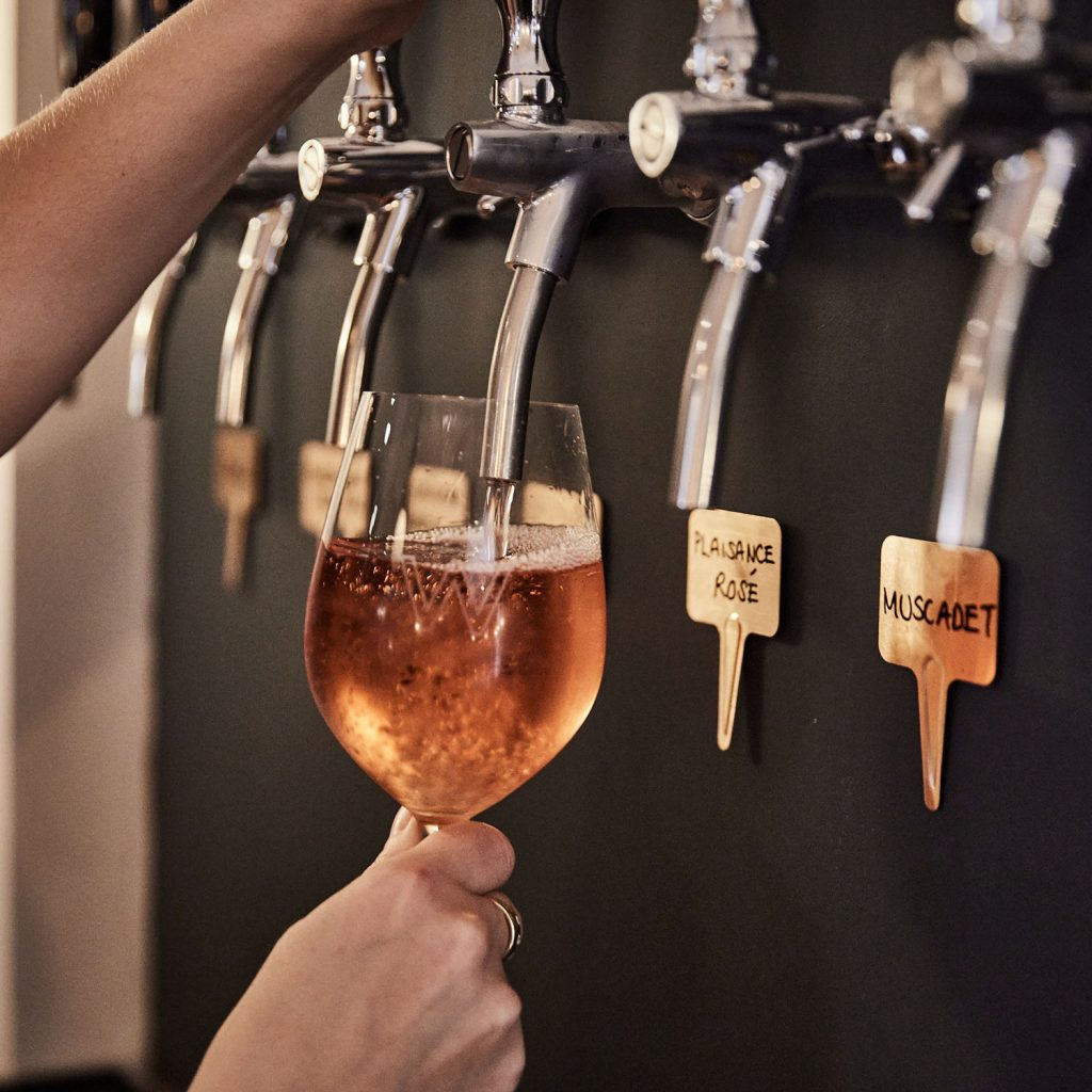 Wilding Oxford Wine on tap_@charlie mckay
